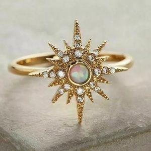 Gold Tone Rhinestone and Fire Opal Star Ring 8